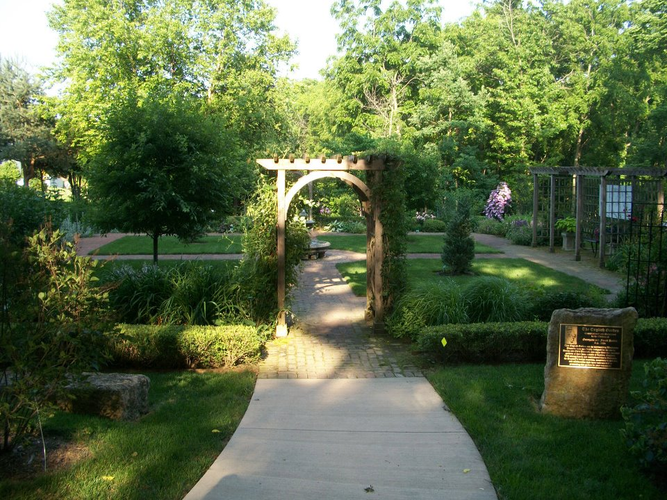 Traditional Garden Designs: Four Square Gardening ... on Square Patio Designs id=44950