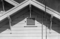 How to Buy, Make, and Use Effective Cleaning Solutions for House Siding