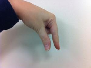 Fingerspelling Q