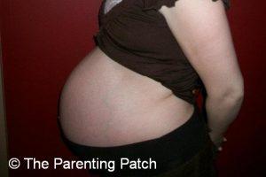 Baby Bump Week 33 of Pregnancy 1