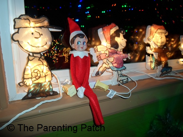 The Elf with the Peanuts Gang