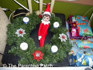 The Elf on the Advent Wreath
