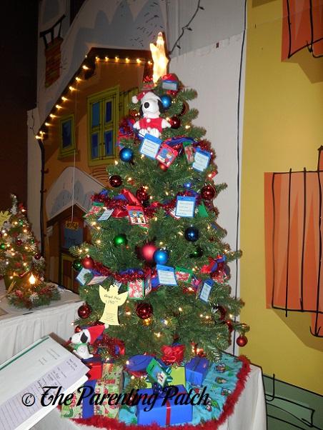 Peanuts Christmas Tree
