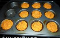 Baking 100-Calorie Easy Pumpkin Corn Muffins: Wordless Wednesday