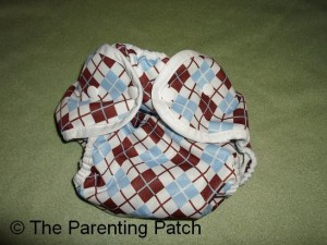 Smallest Setting of Size 2 Thirsties Duo Wrap Diaper Cover