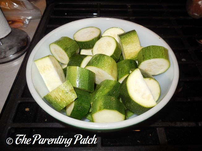 Baby food recipes zucchini and sugar snap peas parenting patch washing the zucchini uncooked sugar snap peas and zucchini slices forumfinder Image collections