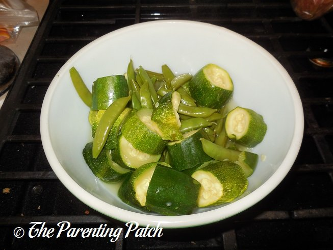 Baby food recipes zucchini and sugar snap peas parenting patch cooked sugar snap peas and zucchini slices forumfinder Image collections