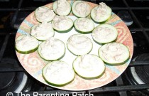 Making Ranch Tuna Salad on Cucumber Slices: Wordless Wednesday