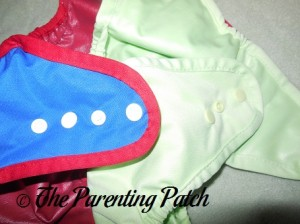Comparing the Snaps of Buttons Diapers and Best Bottom Shells
