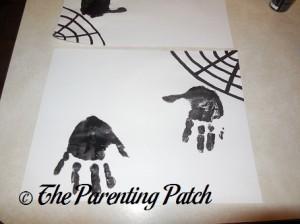 Making Black Cat Handprints