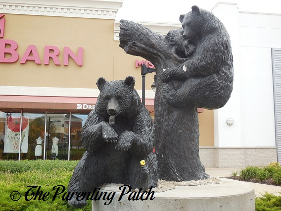 The Duck and the Bear Statues 1