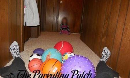 Indoor Winter Toddler Activities Using Balls 1