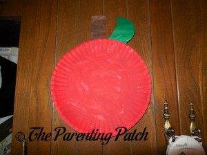 Red Apple Paper Plate Toddler Craft
