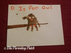 Finished O Is for Owl Handprint Craft