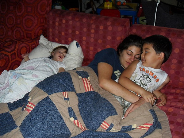 Mother Bed-sharing with Children