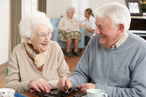 How to Encourage Your Elderly Loved One to Meet New People 3