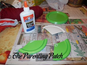 Green Paper Plate Cut in Thirds