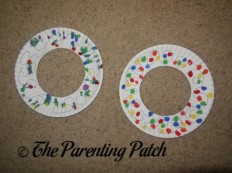 Fingerprint Christmas Lights Wreath Craft | Parenting Patch