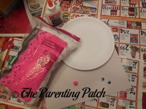Supplies for Arctic Fox Paper Plate Craft