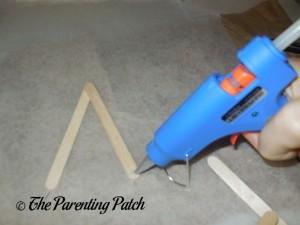 Gluing Wooden Craft Stick Stars with the Ohuhu Hot Glue Gun