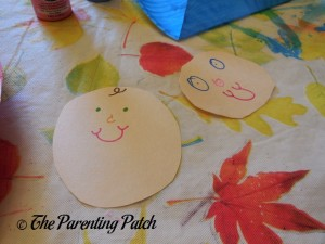 Making Baby Faces for the B Is for Baby Paper Plate Craft
