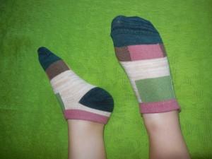 Lomon Colorful Rectangles Ankle Socks on Preschooler