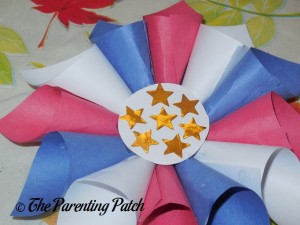 Adding the Center to the Patriotic Rolled Paper Wreath Craft