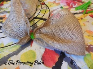 Looping the RichCraft Classic Rustic Burlap Roll