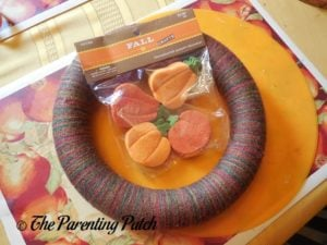 Decorations for Autumn Pumpkin Yarn Wreath Craft