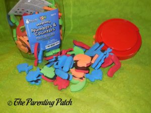 Pieces of Roscoe Learning 124-Piece Magnetic Numbers and Counters Set 1
