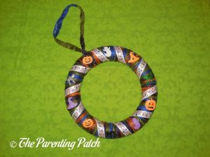 Finished Halloween Ribbon and Yarn Wreath Craft