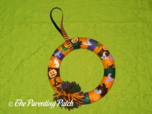 Halloween Yarn Block-Color Wreath Craft
