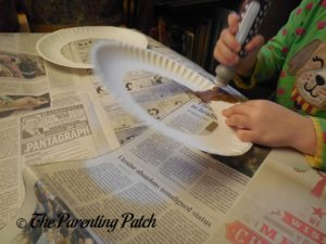 Stamping the Paper Plate Ring Brown 2