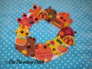 Paper Plate Thanksgiving Wreath Craft by Adult