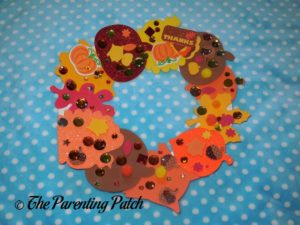 Paper Plate Thanksgiving Wreath Craft by Toddler and Kindergartener