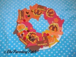 Paper Plate Thanksgiving Wreath Craft by Toddler