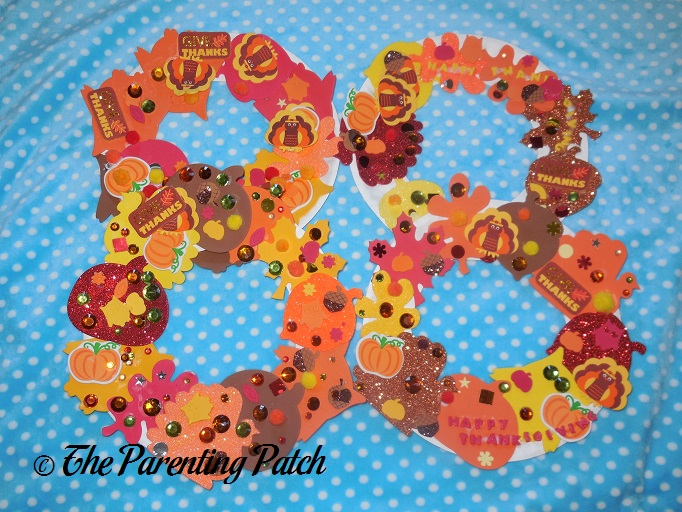 Finished Paper Plate Thanksgiving Wreath Crafts  sc 1 st  The Parenting Patch & Paper Plate Thanksgiving Wreath Craft | Parenting Patch