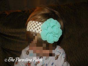 Poppy Wearing HappiSnappi Accessories 4