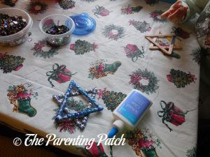 Decorating the Star of David Hanukkah Ornament Crafts