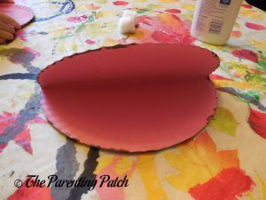 Painting the Plate Pink for O Is for Oyster Paper Plate Craft