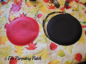 Painted Plates for the A Is for Ant Paper Plate Craft