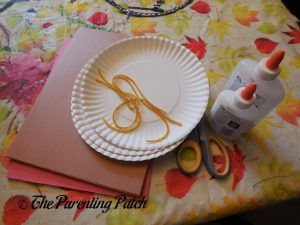 Materials for H Is for Hot Dog Paper Plate Craft