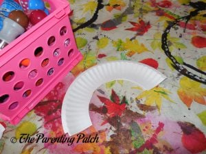 Paper Plate Arch for C Is for Caterpillar Paper Plate Craft
