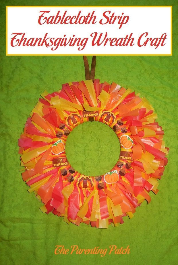 Tablecloth Strip Thanksgiving Wreath Craft