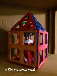 The Elf in the Magnetic Block House