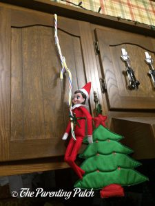 The Elf and the Candy Cane Chain 1