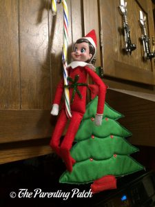 The Elf and the Candy Cane Chain 2