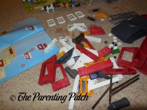 Assembling the PLAYMOBIL Barn with Silo 1