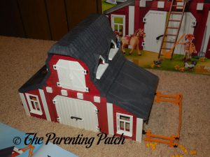 Assembling the PLAYMOBIL Barn with Silo 5