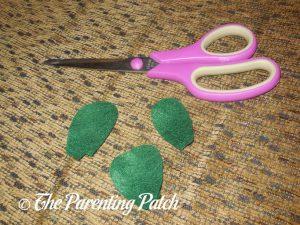 Felt Leaves for Felt Mistletoe Craft